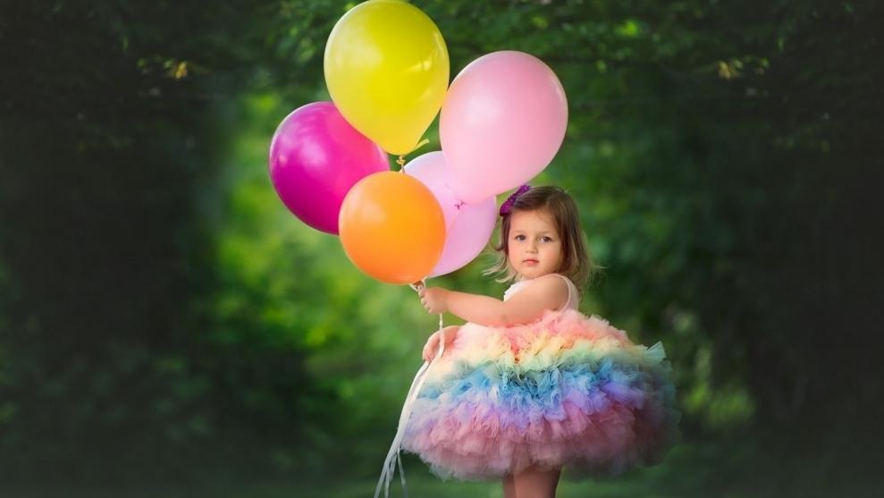 Изображение - Поздравления 5 лет девочке родителям deti-devochki-vozdushnye-shariki-naryadn-1176666