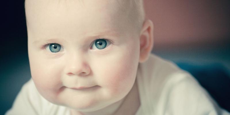 Ребенок быстро набирает вес, причины, что делать? Сколько должны набирать грудные дети в первые месяцы || На грудном вскармливании ребенок перебирает вес