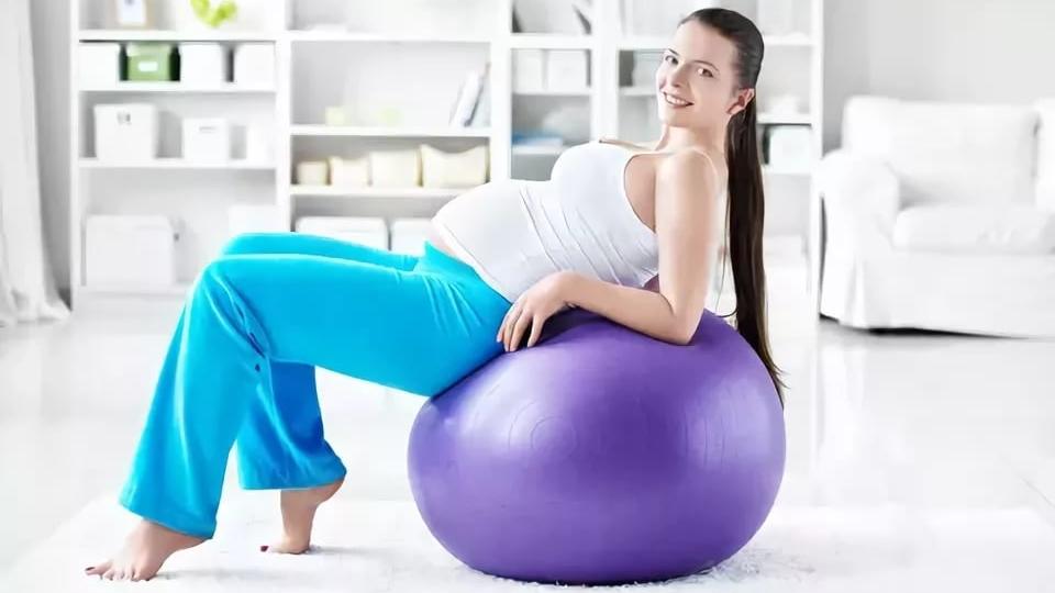 упражнения для беременных 3 триместр дома
